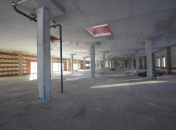 Строительство коммерческих помещений. Вид изнутри