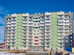 Дом №35. Вид со двора. Ведутся фасадные отделочные работы и внутренняя отделка квартир