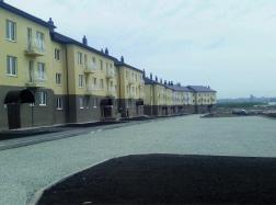 Ведутся работы по благоустройству придомовой территории