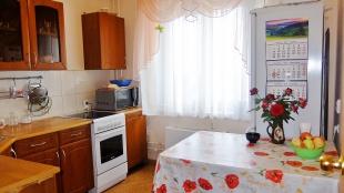 2 комн. квартира Братьев Кашириных, 156а